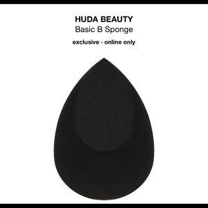 Huda beauty blender- brand new